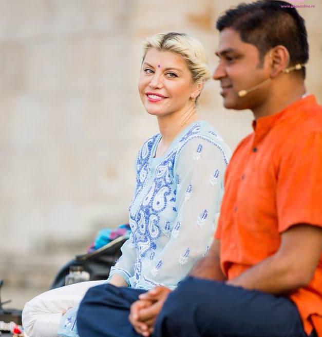 Loredana si maestrul Avisek Majumdar